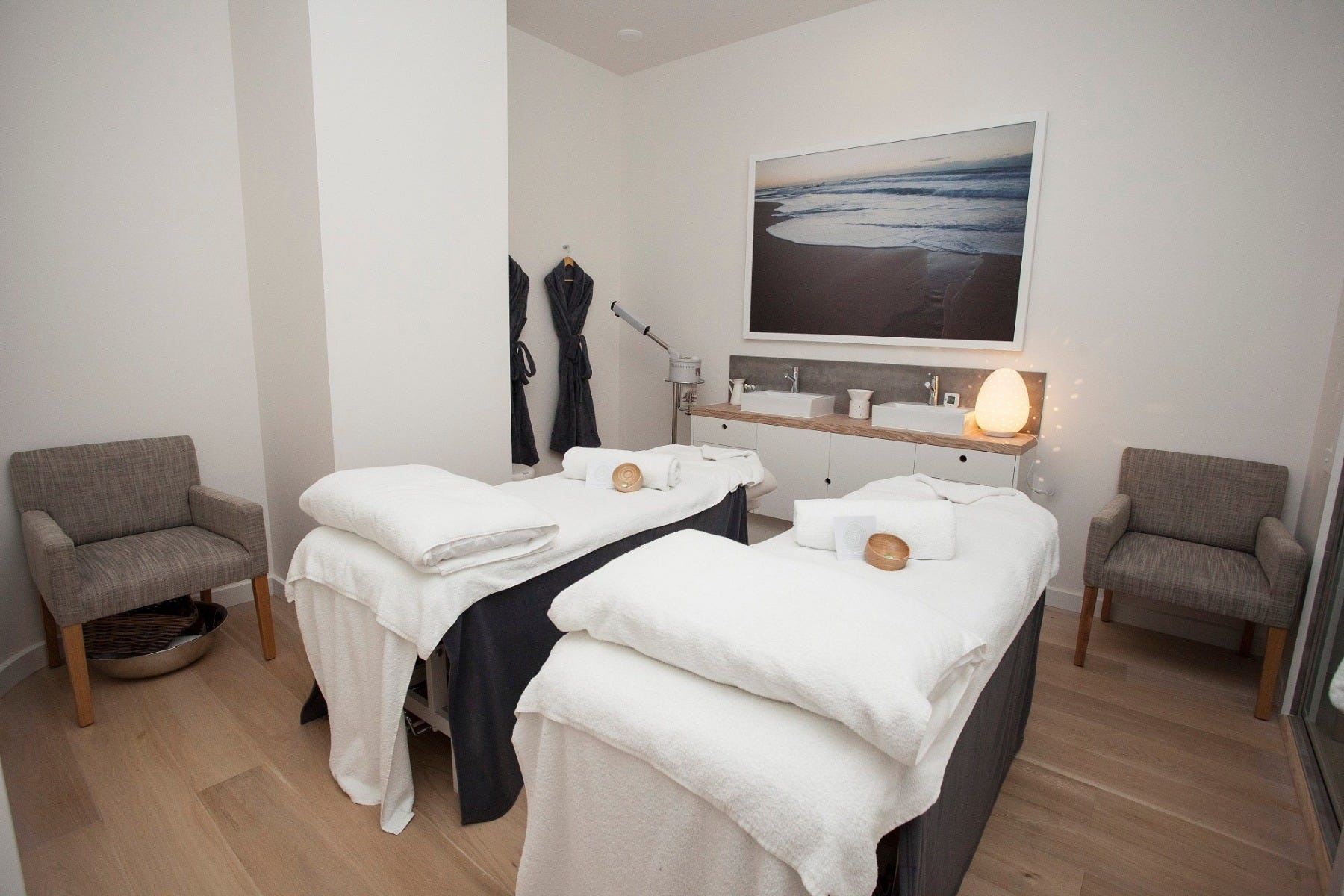 Day Spa Eastland Couples Treatment Room